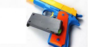 انتبهوا … هكذا تسبب مسدس بلاستيكي مزود بالليزر في إصابة طفل بالإغماء